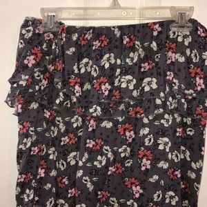 Tops - Strapless floral crop top